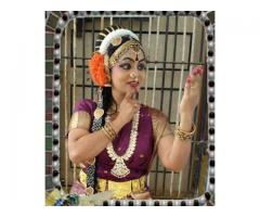 http://yourent.in/costumes/women/women-classical-dance-costumes-for-rent-in-hyderabad_i9